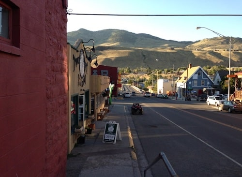 Hannah Jaicks_Research Outdoor Adventures and Yellowstone_Downtown Gardiner Montana